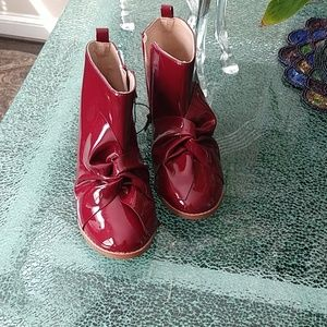 Intertwined Bow Booties